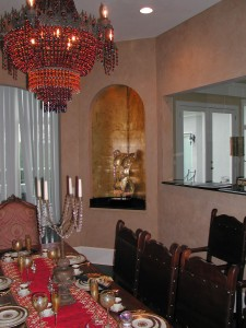 Niche with Metallic Gold Leaf and Venetian Plaster Walls